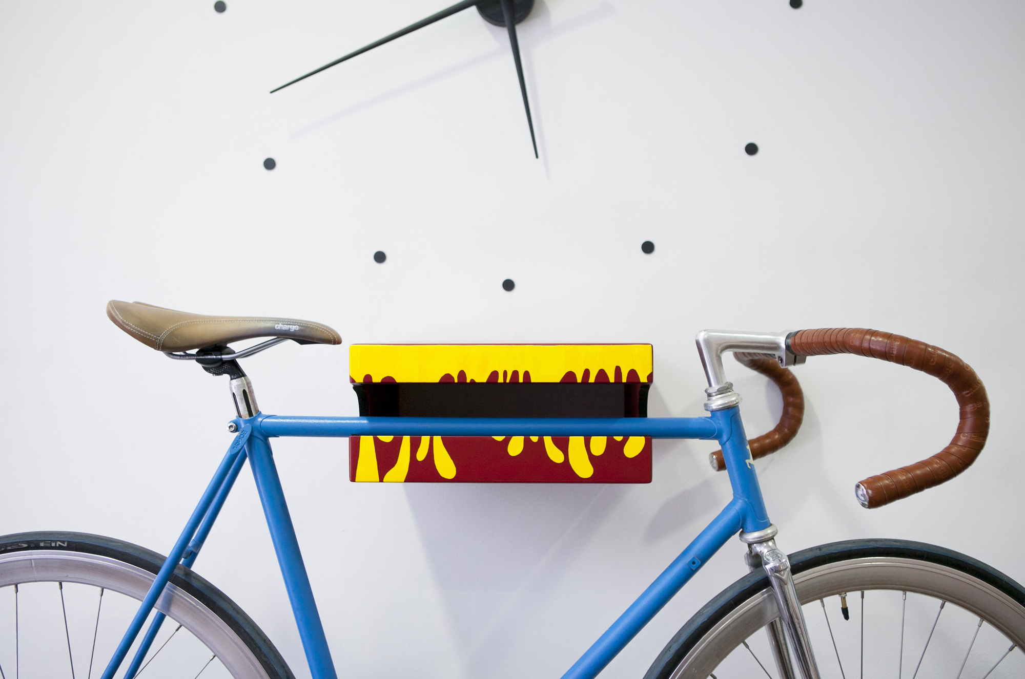 Hellodesign_custom_bike_holder_03